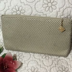 Whiting and Davis International clutch
